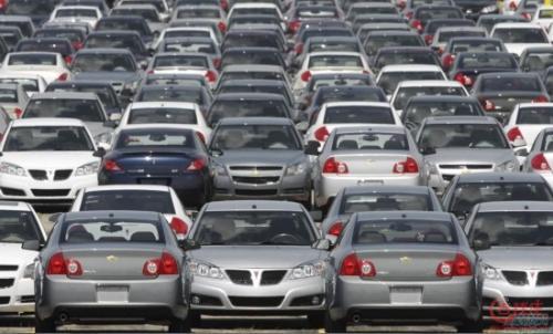 汽车制造商在中国的销量出现前所未有的大幅下滑