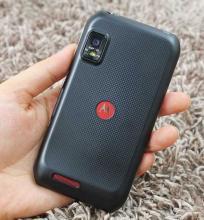 摩托罗拉已经响亮地确立了自己作为消费者追求的Android智能手机