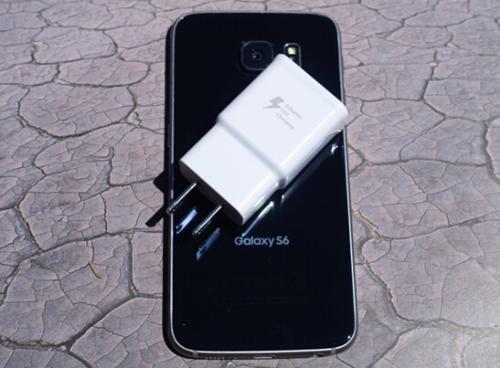 三星的无线充电器Duo可以64美元的价格为iPhone和AirPods充电