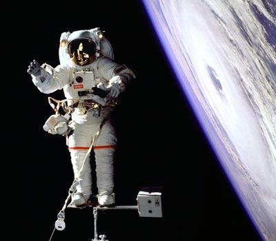 为什么今天的太空行走不是世界所需要的
