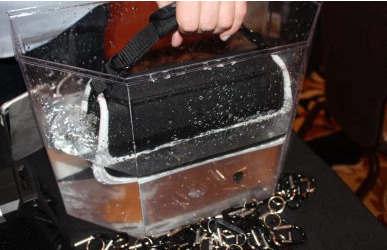 Fugoo XL蓝牙音箱可以在水下存活