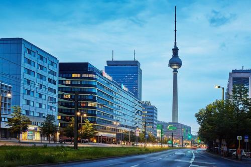 GEG以3亿欧元的价格收购柏林亚历山大广场上的大楼