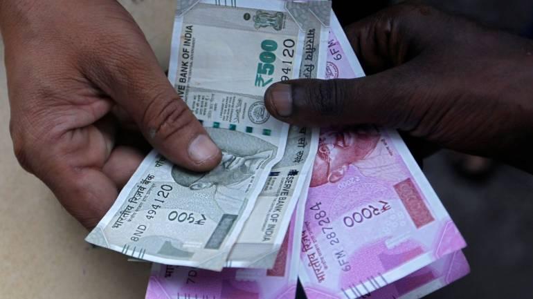 预算建议可以加强卢比 短期目标价格为67.50卢比