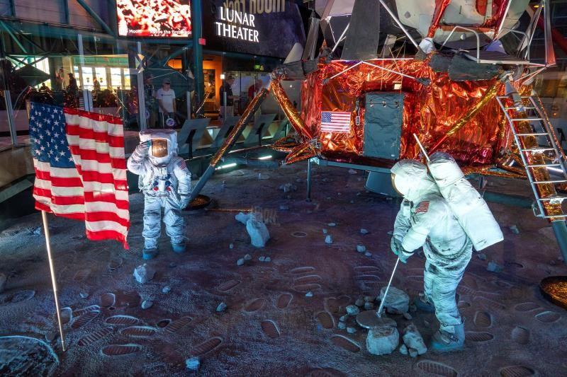 卡纳维拉尔角唤起了半个世纪前第一次月球探险的情感