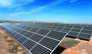 突破性的材料可以导致更便宜 更广泛的太阳能电池板和电子产品