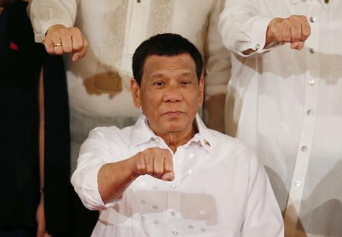 杜特尔特公布税收改革计划后 菲律宾比索和股市下跌