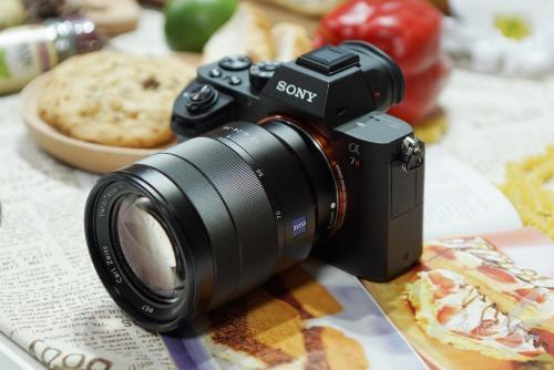索尼新款A7R IV全画幅无反光镜相机拥有一枚可怕的61万像素传感器