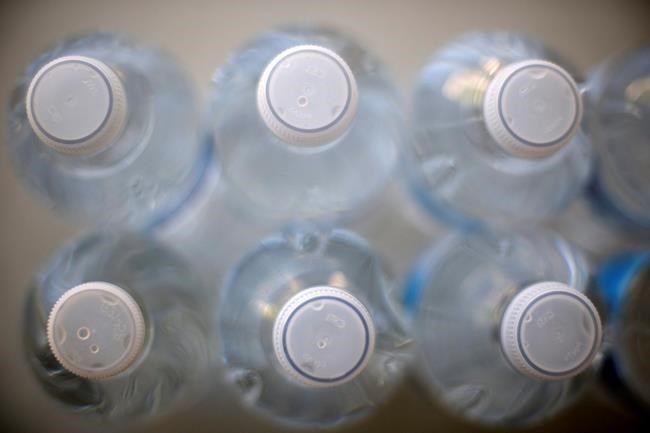 旧金山国际机场禁止销售一次性塑料水瓶