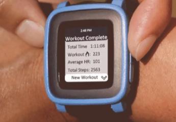 这是Pebble Time的第一个有前途的 智能表带