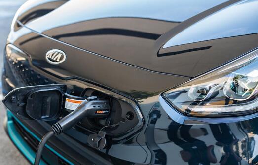 电动汽车革命已经开始 加油站沟油将用于充电