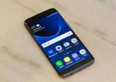 三星预计智能手机和芯片销售放缓将使利润大幅下降