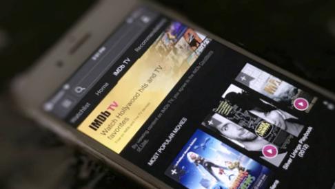 IMDb电视免费流媒体服务到达移动设备