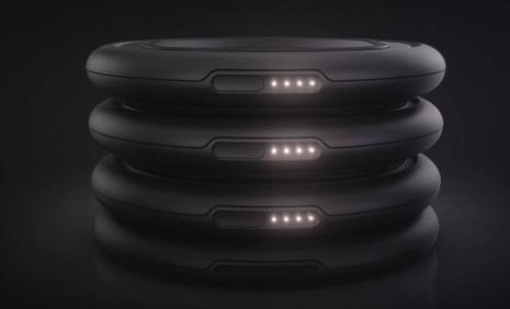 OtterBox展示了带有可堆叠电池的无线充电系统