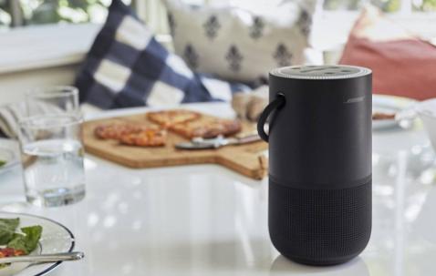这款Bose智能扬声器将Alexa和Google Assistant与12小时电池配对