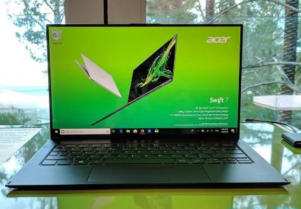 Acer Swift 7动手操作:超薄轻巧的笔记本电脑