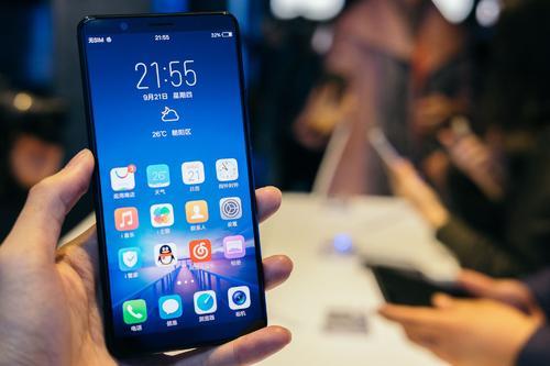 小米仅次于苹果和三星的第三大智能手机制造商