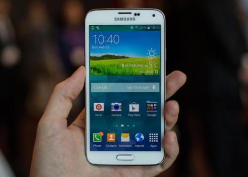Galaxy S5的功能包括5.1英寸Super Amoled全高清显示屏