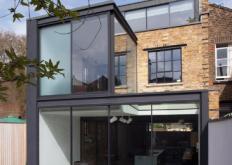 吉尔斯派克在改建的维多利亚式车间中为房屋增加了钢材扩展