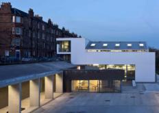 SutherlandHusseyHarris在爱丁堡雕塑工作室增加了砖形塔