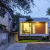 Nha4Architects为越南的家庭住宅增加了防洪扩展