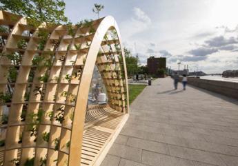 伦敦工作室LooppH在伦敦泰晤士河上创建了一个可充气的塑料穹顶