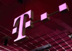 AT&T T-Mobile和US Cellular扩大了承诺以确保客户保持联系