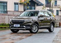 众泰T500在中国汽车市场上推出并不是什么复制品