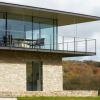 TheManserPractice用干石墙环绕英国乡村房屋