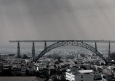 葡萄牙建筑师想搬迁波尔图的玛丽亚皮亚桥