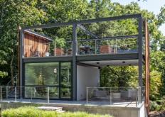 FlavinArchitects向马萨诸塞州的住所增加了创意庇护所现代灯笼工作室