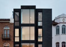 迈克尔轩尼诗为旧金山联排别墅打造现代凸窗