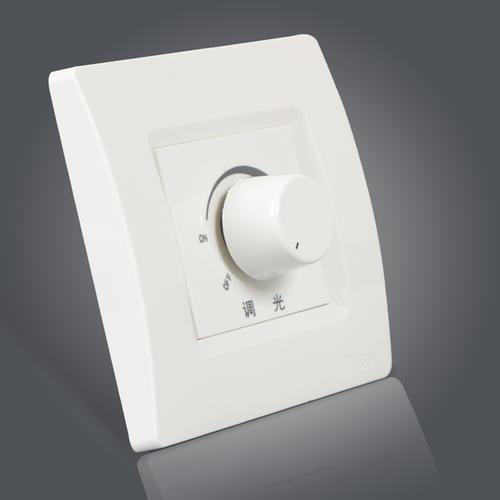 调光插座预先用导线端接以便于集成到新的或现有的灯具中