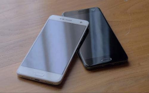 中兴在其智能手机产品系列中有两个系列Axon和Blade