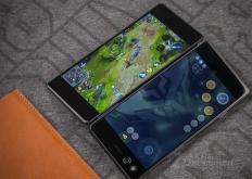它推出了AxonM一种具有双显示屏的古怪可折叠手机