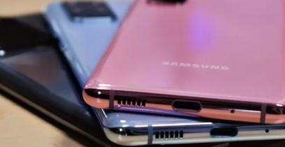 三星GalaxyS21智能手机带有充电器