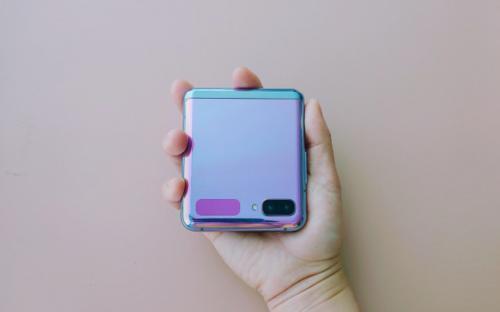 华为专利类似翻盖式可折叠手机的GalaxyZFlip