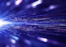 带来更快的互联网:设备更多地融入光纤