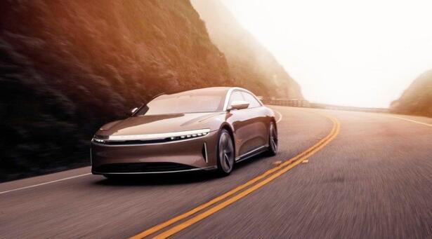 Lucid Air甚至可以比功能强大的Tesla Model S格子布更快