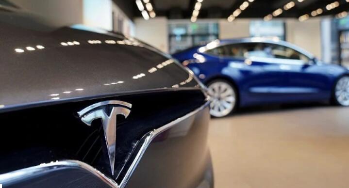 特斯拉必须召回12300辆X型车 原因是成型错误