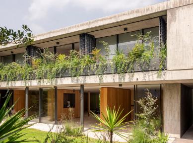 VigaArquitectos大修1970年代墨西哥城的房屋