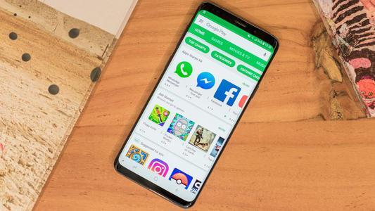 新款SamsungLeader8是该公司的另一款中国独家翻盖手机