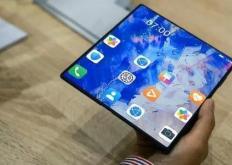 新款华为MateX2折叠屏智能手机已通过工业和信息化部的网络访问审核