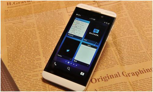 全触摸式BlackBerryZ10已在加拿大和英国上市