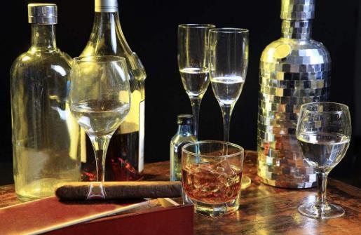 生活小知识:三类人喝酒易得肝癌 酒精代谢氧耗增加易致肝功恶化