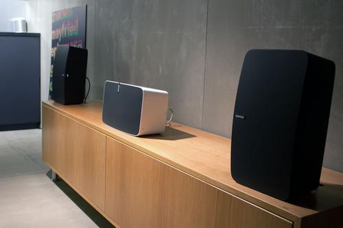 并在HomePod投放市场时删除了一些Sonos设备