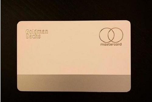 通过电子钱包应用向少数客户提供了AppleCard信用卡