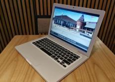 新的MacBookPro的销售将开始其中包括首个八核版本