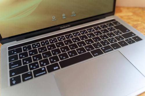 每台Thunderbolt4笔记本电脑必须至少提供一个Thunderbolt4端口进行充电