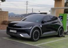 代汽车在洛杉矶车展上展示了自动驾驶Ioniq概念车