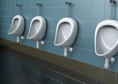 生活小知识:出现不同颜色的尿液时要警惕 不要耽误治疗时机